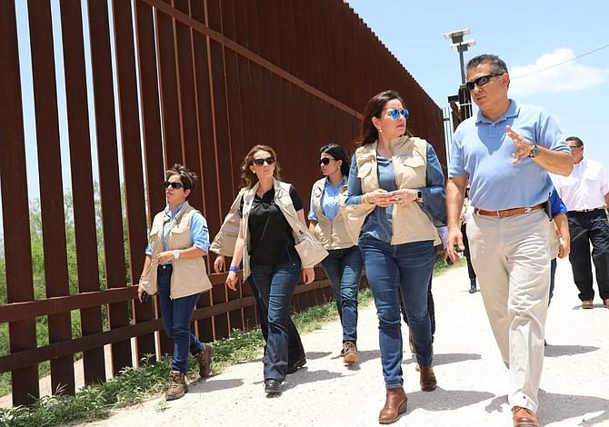 Primera dama de Honduras pide no cruzar ilegalmente a Estados Unidos