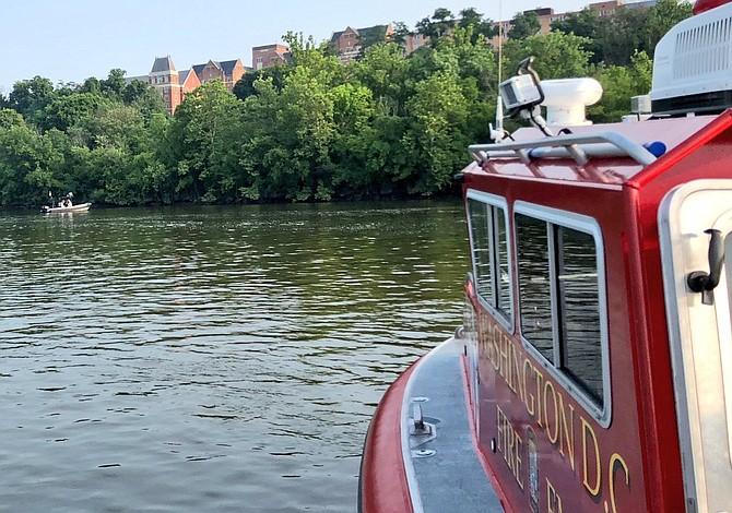 Hallaron un cadáver en el río Potomac