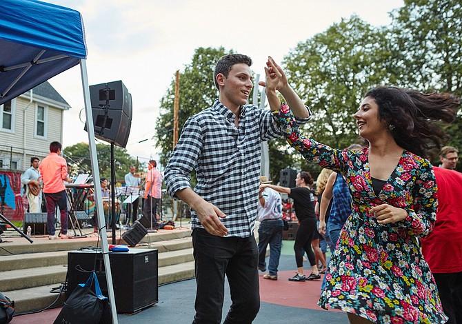 Pizza Festival, Películas gratis al aire libre, Cirque Soleil, Fitness in the par, Open Newbury Street...