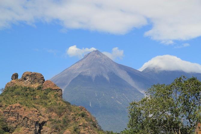Encuentran a joven desaparecido por explosión del volcán de Fuego