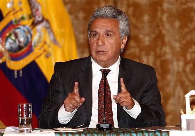 """Presidente de Ecuador advierte a Nicolás Maduro que """"no provoque"""""""