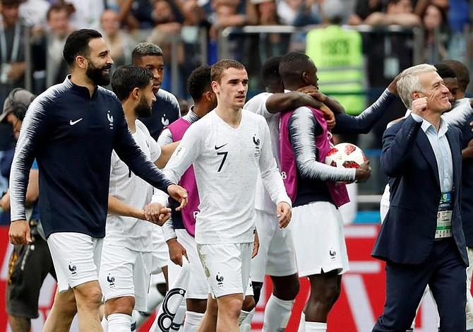 Francia pasa a semifinales y despide a Uruguay del Mundial