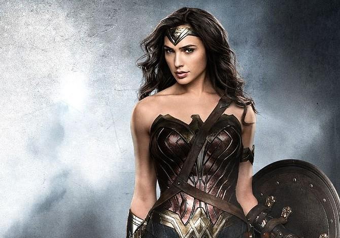 Wonder Woman visita a pacientes de un Hospital Infantil en el estado de Virginia