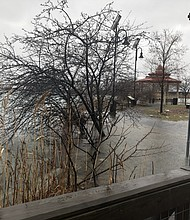 El Island River inundado. Foto: GreenRoots, Chelsea.