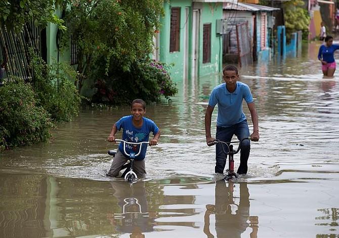 Huracán causa fuertes inundaciones en República Dominicana