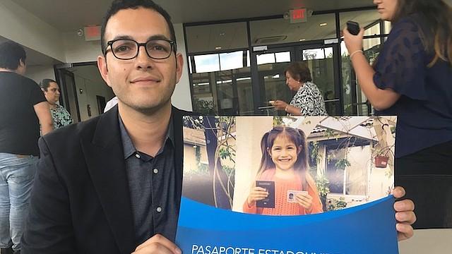 OFICIAL. Andrés Rodríguez, portavoz del Departamento de Estado, dice que el gobierno quiere proteger a los niños nacidos en este país.