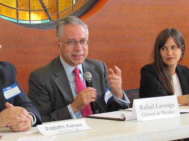 IMPORTANTE. Rafael Laviaga, cónsul de México, en Washington, DC enfatiza la importancia de la doble nacionalidad para los niños nacidos en EEUU de padres mexicanos.