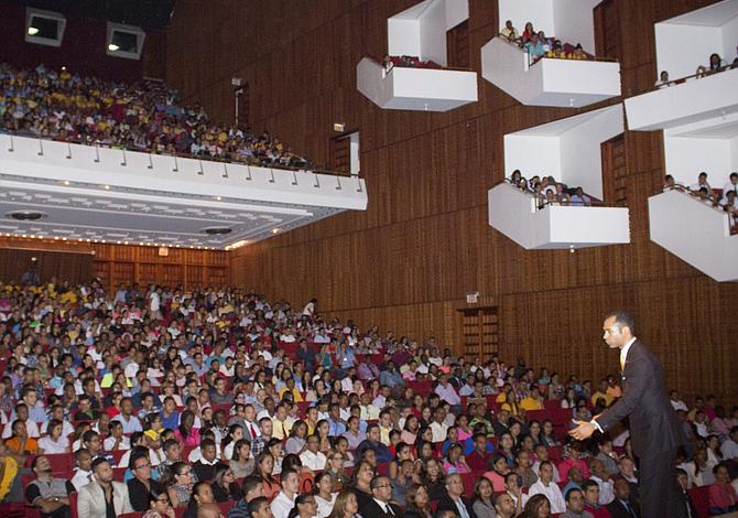 Economista y conferencista dominicano dará charla a empresarios de Lawrence