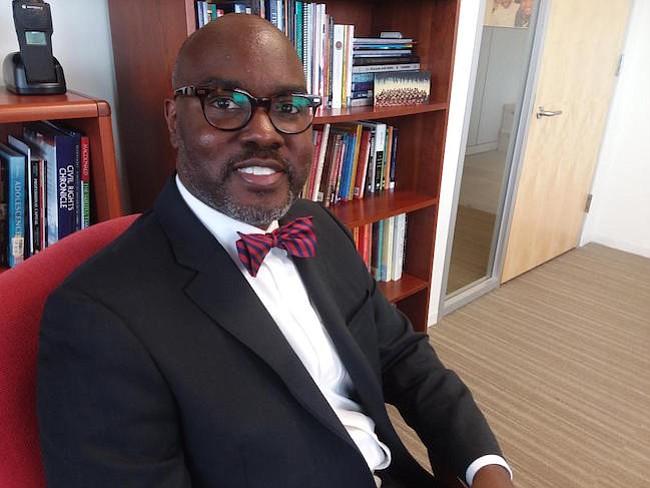 Objetivo. Gregory C. Hutchings Jr. Es el nuevo superintendente de las escuelas públicas de Alexandria y quiere que los padres de familia no teman acercarse a las escuelas.