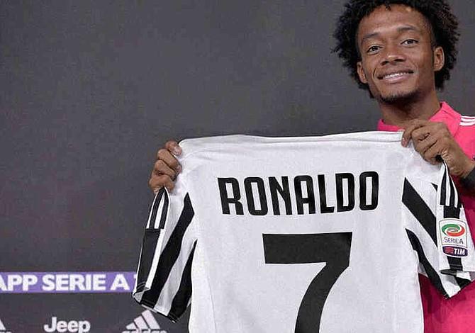 Cuadrado le cedió el número 7 a su nuevo compañero Cristiano Ronaldo