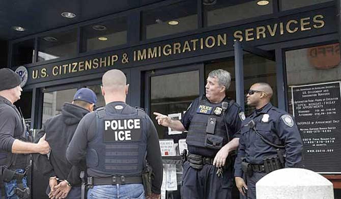 Nuevas reglas de USCIS afectarán a muchos inmigrantes