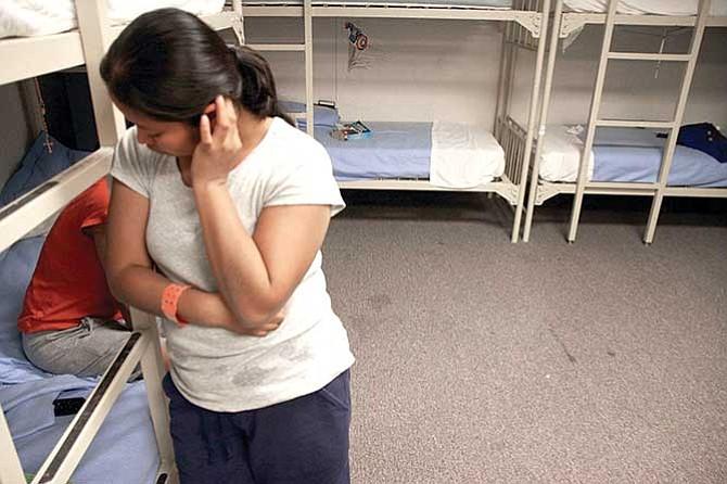 Denuncian maltrato a indocumentadas embarazadas detenidas