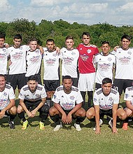 RRSC. A pesar de estar activos en el torneo de la UPSL, su directiva comenzó sus pruebas de verano el pasado 7 de julio para descubrir nuevos talentos del fútbol.