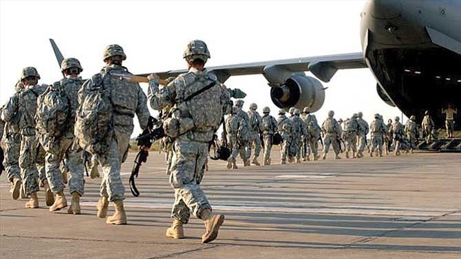 Denuncian que Ejército expulsa militares inmigrantes