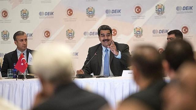 """Nicolás Maduro durante el """"Foro de negocios Turquía-Venezuela"""" celebrado en Estambul"""