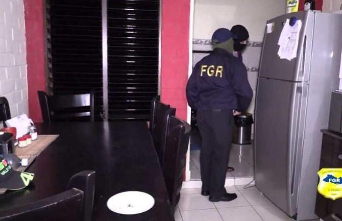 Fiscalía en El Salvador encontró rastros de sangre en la vivienda que compartía Jocelyn Abarca y su pareja