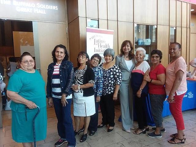 Desafíos. Según este grupo de trabajadoras y voluntarias que laboran en el cuidado de personas mayores, la pobreza, desinformación y soledad son grandes problemas para latinos mayores.