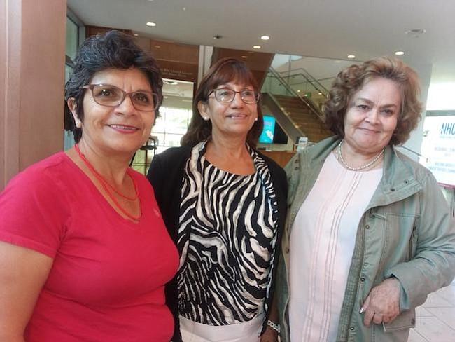 Trabajos. Dolores Badillo (izq.) promueve una campaña para llevar más latinos mayores a votar; Norma Columbus (c.) realiza tareas de voluntariado; y Bolivia Duque (der.) es cuidadora remunerada.