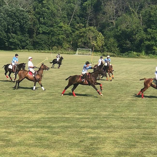 Polo. El torneo de polo se realizó en Muldoon Fields, el 14 de julio, para recaudar fondos a favor de los niños que reciben atención en el hospital Garrahan, en Argentina.