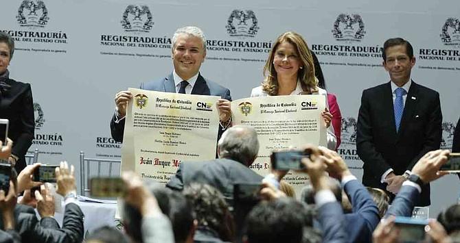 COLOMBIA. Iván Duque y Marta Lucía Ramírez reciben las credenciales de presidente y vicepresidente