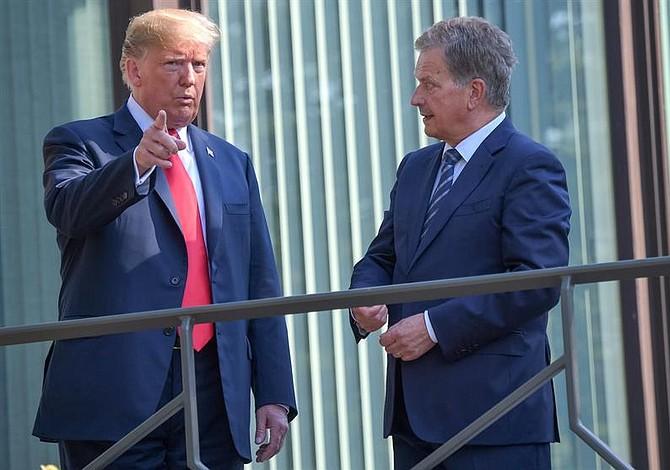 Donald Trump se reunió con presidente de Finlandia antes de su cumbre con Vladimir Putin