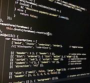 DEVELOPERS. Una forma de desarrollar ventaja competitiva en esta profesión es aprendiendo a escribir programas en distintos lenguajes de computadora.
