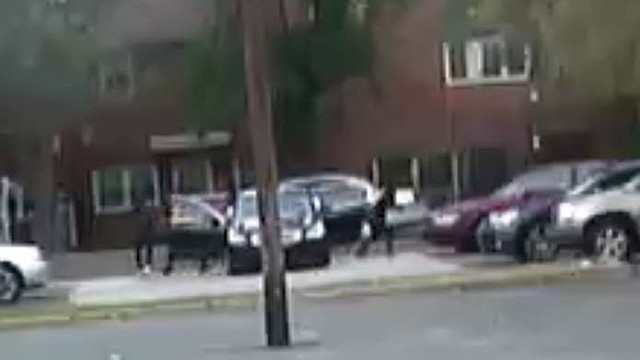SUCESO. Buscan un sedán negro de cuatro puertas, en el que se trasladaban los atacantes