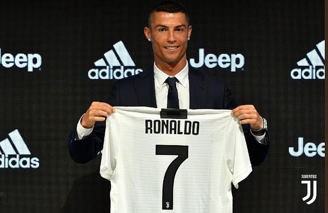 FUBTOL. Cristiano Ronaldo fue presentado oficialmente por la Juventus de Turín