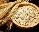 El consumo de avena ayuda a fortalecer los huesos.