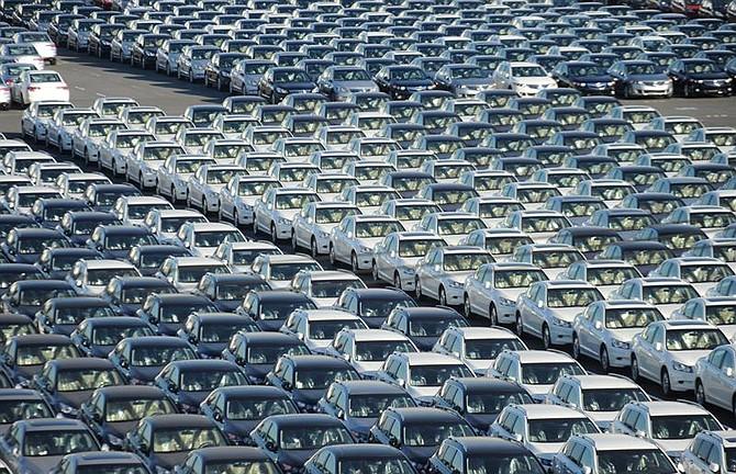 FOTO REFERENCIAL | JAPÓN - Fotografía de archivo que muestra coches de fabricación japonesa listos para ser exportados en el puerto de Tokohama, cerca de Tokio (Japón), el 10 de noviembre de 2010. La Unión Europea (UE) y Japón firmaron hoy en Tokio su Acuerdo de Asociación Económica, un pacto que liberalizará la mayor parte de sus intercambios comerciales y con el que ambas partes esperan impulsar sus economías.