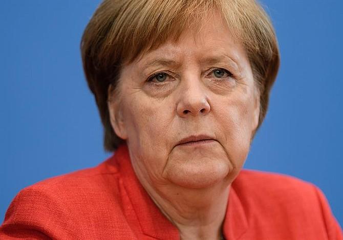 Merkel advierte del peligro de los aranceles de EEUU a autos europeos