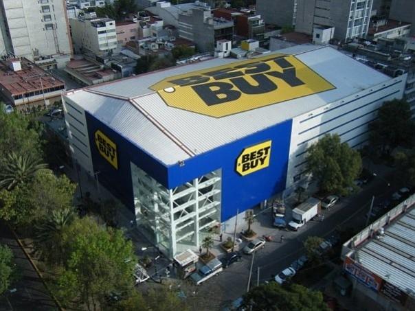 """COMERCIO. """"Sea un consultor, no un vendedor"""", recomiendan a los nuevos asesores en el hogar de Best Buy"""