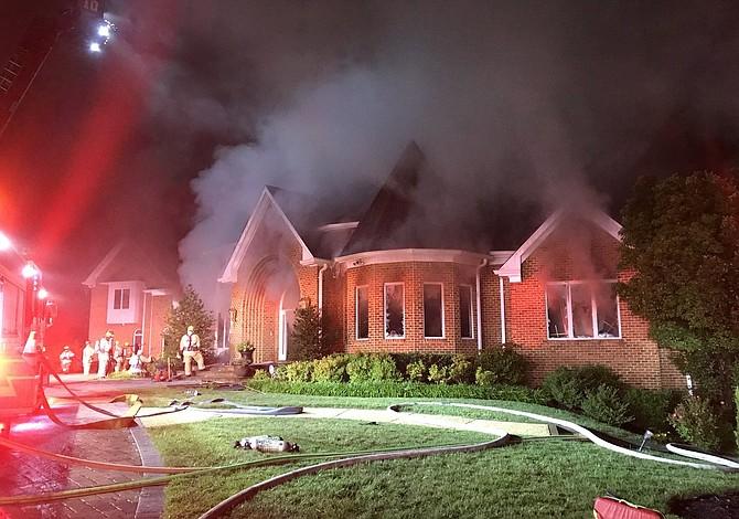 Falleció un bombero tras combatir incendio en Maryland