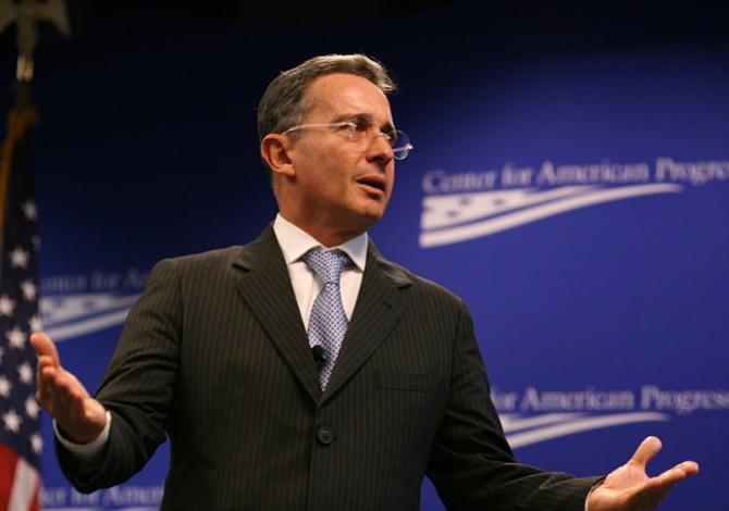 Corte Suprema de Colombia cita para el 3 de septiembre la indagatoria de Álvaro Uribe