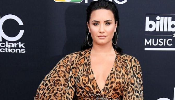 """Demi Lovato sufre """"complicaciones"""" tras su aparente sobredosis, según fuentes"""