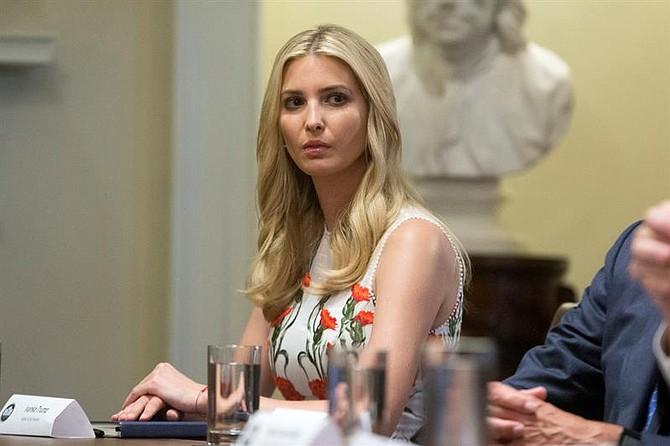 WASHINGTON. Ivanka Trump, hija del presidente de Estados Unidos, Donald Trump, en el Salón del Gabinete de la Casa Blanca