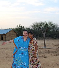 COMUNIDAD. Sara Pusha Ina y Keiner son parte de la familia que recibió a Andrea en la comunidad Wayuu.