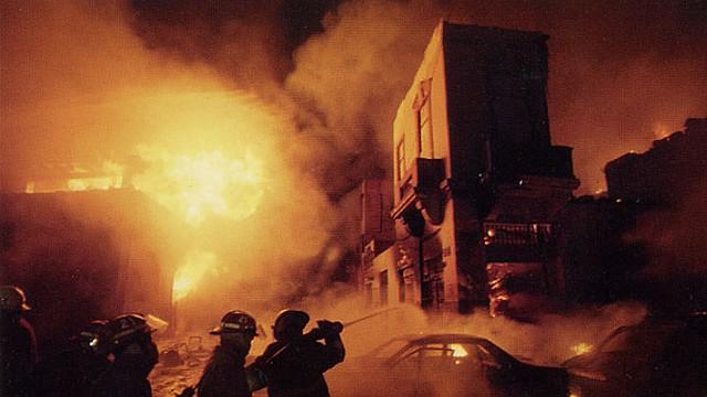 FRANCIA. El incendio se originó en el penúltimo piso del edificio