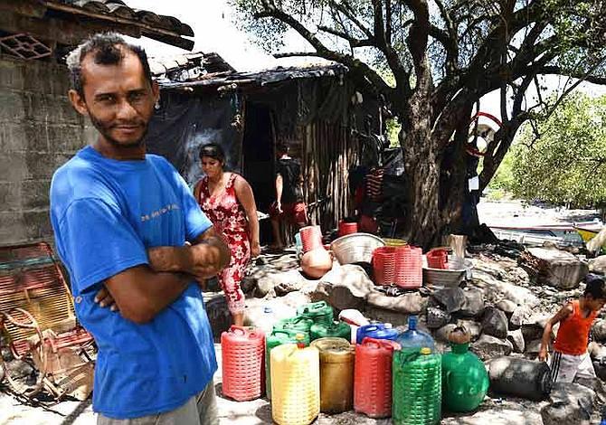 Isla de El Salvador está a la venta y sus pobladores deben desalojarla