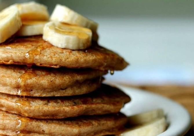 Increíble receta de hot cakes de avena con plátano
