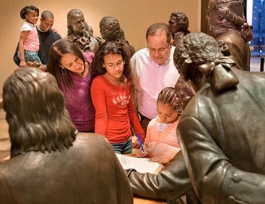 Las atracciones culturales e históricas de Filadelfia ofrecen guías en español