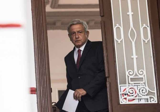 AMLO promete a los mexicanos liberar a todos los presos políticos