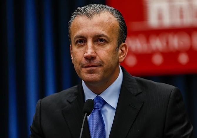 Venezuela: Vicepresidente entrega a la Constituyente la derogatoria del régimen cambiario para divisas