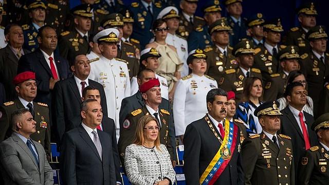 Acto de Nicolás Maduro antes de las detonaciones que lo obligaron a evacuar