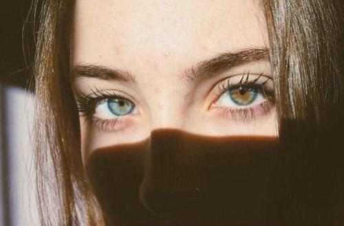 Las pestañas son un punto importante para lucir unos ojos espectaculares.