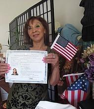 INCERTIDUMBRE. Ana Guatemala, de Maryland, esperó 17 meses para juramentarse.