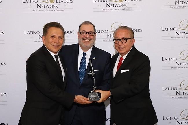 DC: Luis Cortés, líder latino de la fe recibió un galardón