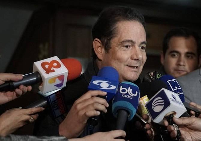 Colombia: Vargas Lleras reaparece con agenda paralela a la de Duque