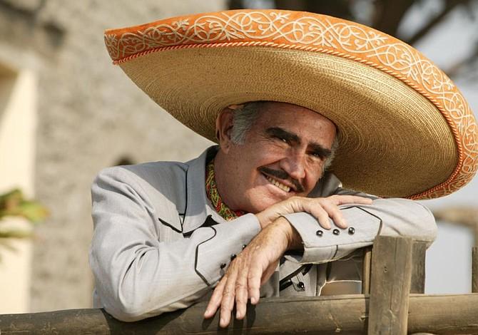 Vicente Fernández lanza primer disco tras retiro