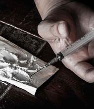 EE.UU. La droga valorada en unos 870,000 dólares era transportada por una mujer de 81 años